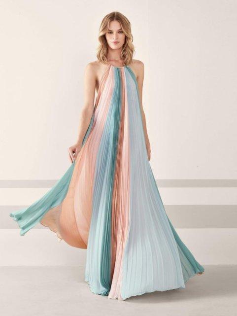 vestidos-para-invitadas-de-boda-romanticos-en-tonos-pasteles-600x800