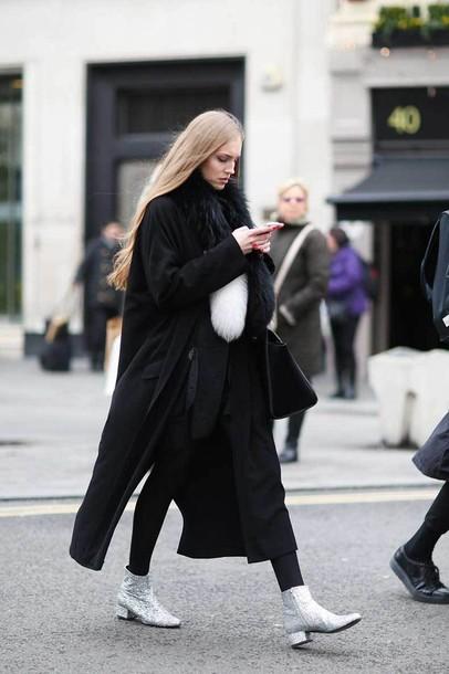 pd0h2z-l-610x610-shoes-tumblr-boots-ankle+boots-streetstyle-silver+ankle+boots-silver+shoes-pants-black+pants-fur+scarf-scarf-coat-black+coat-long+coat-